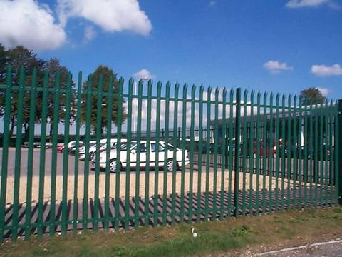 Security Wall Spikes Fence With Welded Wire Fence And